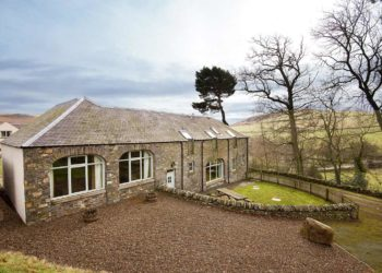 River Tweed accommodation, hidden gems Scottish Borders, bed & breakfast near the River Tweed, best fishing accommodation, near Edinburgh, Scotland, Fly Fishing River Tweed, Salmon Fishing, trout fishing and grayling fishing. Lodge near pike fishing loch